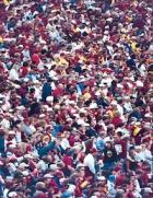 adimec-identification-color-crowd